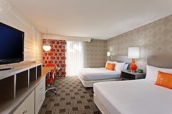 Deluxe Room, 2 Queen Beds (Deluxe Two Queen Beds)