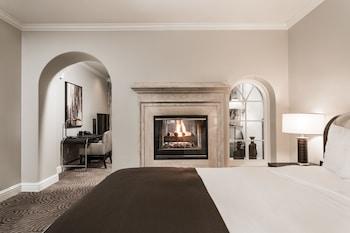 Luxury King Studio Suite