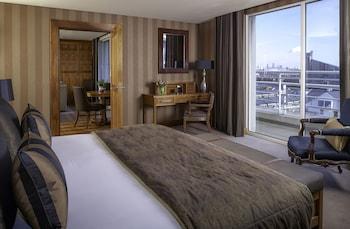 Abingdon & Kensington Penthouse Suite