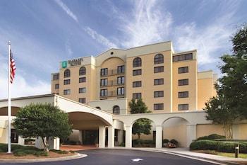 Hotel - Embassy Suites Greensboro Airport