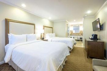 Room, 2 Double Beds (Mansion Estates Resort)