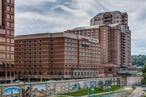 . Embassy Suites by Hilton Cincinnati RiverCenter