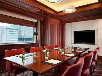 ANA CROWNE PLAZA OSAKA Executive Lounge