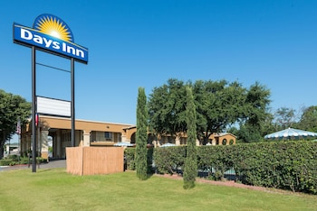 Hotel - Days Inn by Wyndham San Marcos