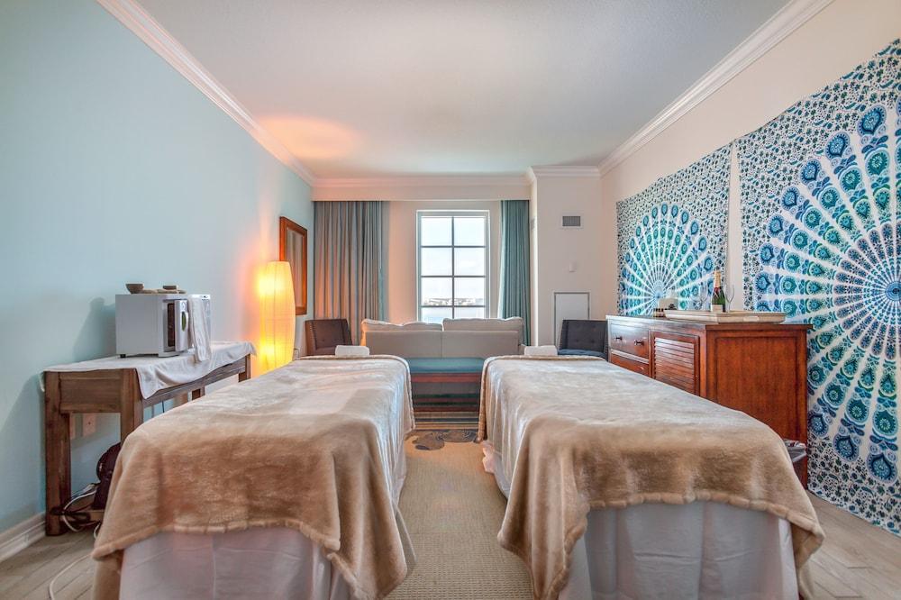 https://i.travelapi.com/hotels/1000000/20000/16600/16596/6751336e_z.jpg