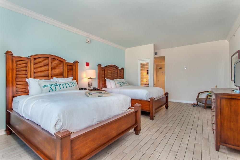 https://i.travelapi.com/hotels/1000000/20000/16600/16596/9f54b7b6_z.jpg