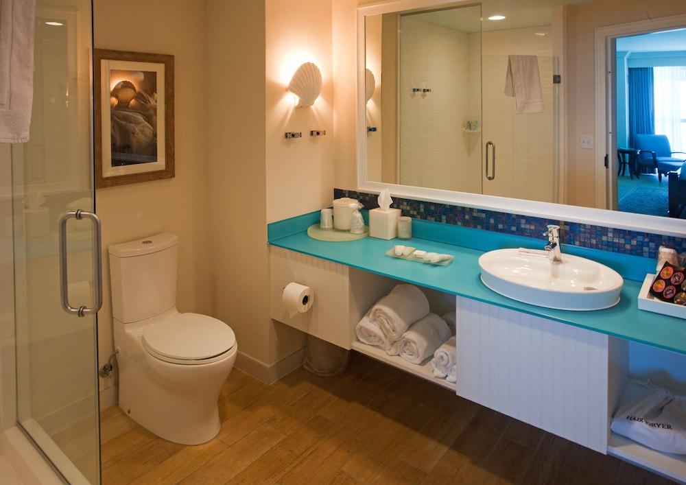 https://i.travelapi.com/hotels/1000000/20000/16600/16596/f32e7db7_z.jpg