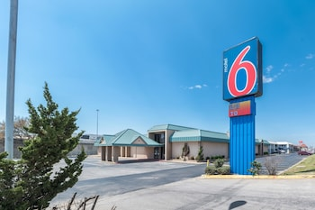 Motel 6 Bricktown photo