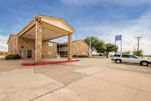 . Motel 6 Red Oak, TX - Dallas