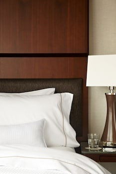 Guestroom at The Westin Seattle in Seattle