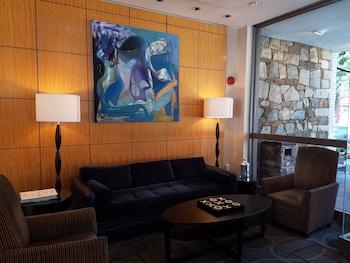 Lobby Sitting Area at One Washington Circle Hotel in Washington