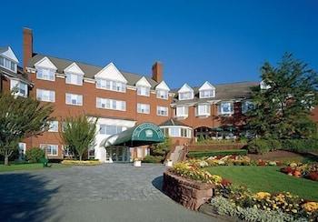 錫姆斯伯里旅館 Simsbury Inn