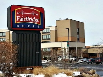 Fairbridge Hotel Cleveland East