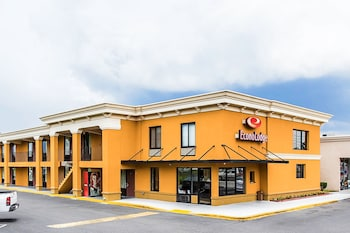 Featured Image at Econo Lodge Midtown in Savannah