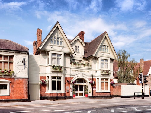 __{offers.Best_flights}__ Mercure London Staines-upon-Thames Hotel