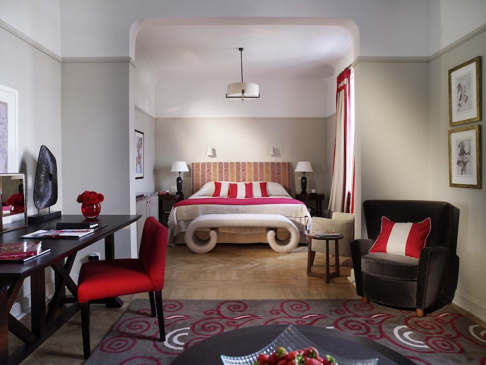 https://i.travelapi.com/hotels/1000000/20000/16800/16790/57deb25f_z.jpg
