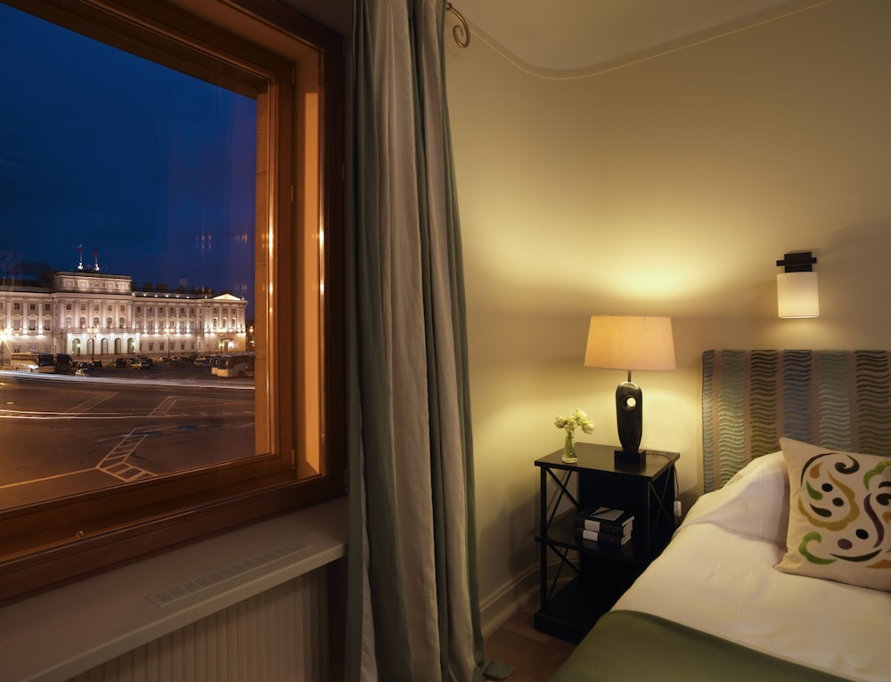 https://i.travelapi.com/hotels/1000000/20000/16800/16790/c2db8bb9_z.jpg