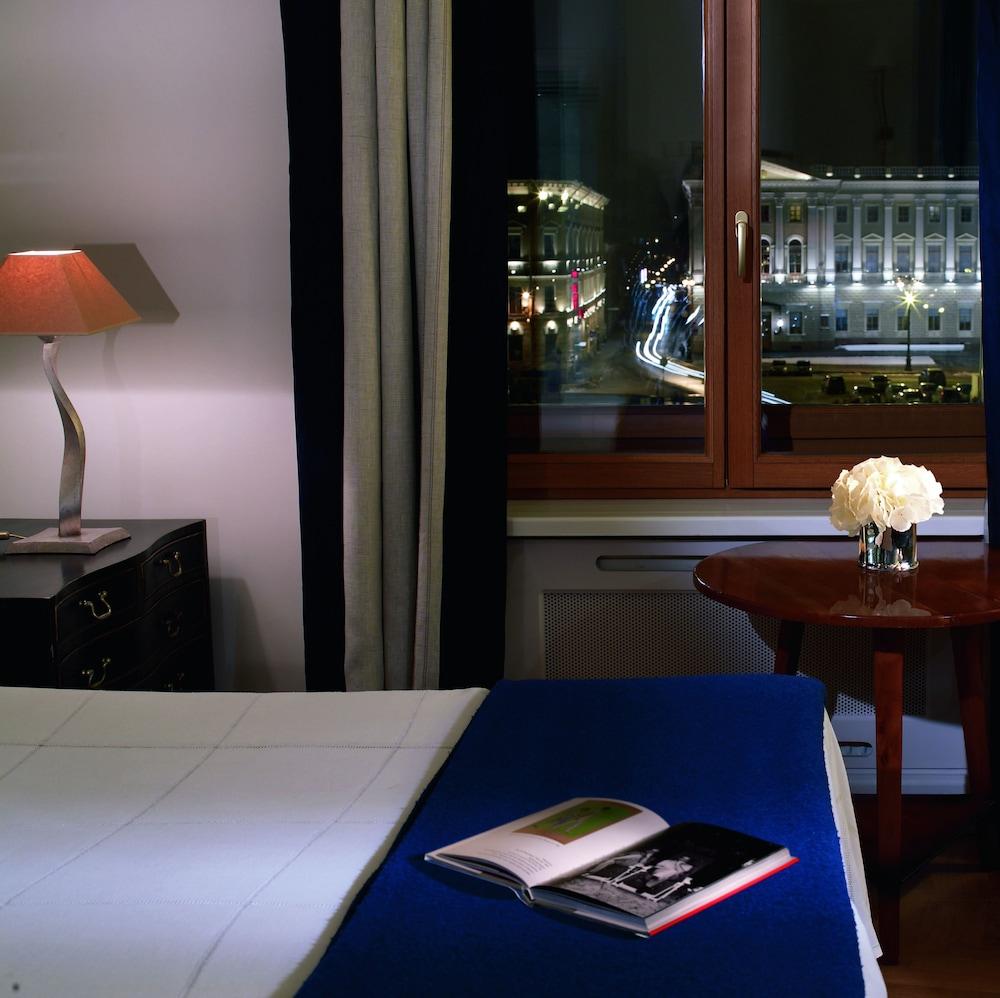 https://i.travelapi.com/hotels/1000000/20000/16800/16790/e66561c0_z.jpg