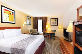 Deluxe Room, 1 King Bed, Non Smoking (Courtyard/Pool View)