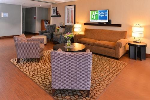 . Holiday Inn Express Worcester Downtown, an IHG Hotel