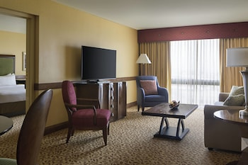 Guestroom at Houston Marriott South at Hobby Airport in Houston