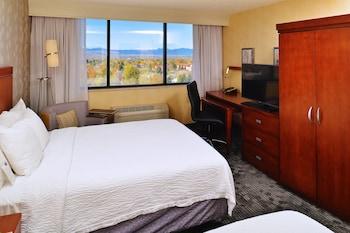 Premium Room, 2 Queen Beds, Mountain View