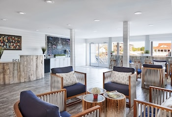 Lobby Sitting Area at Shem Creek Inn in Mount Pleasant