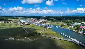 Aerial View at Shem Creek Inn in Mount Pleasant