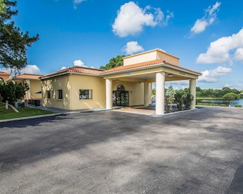 北多拉山凱藝套房飯店 Quality Inn & Suites Mt Dora North