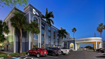 貝斯特韋斯特邁爾斯堡套房飯店 Best Western Fort Myers Inn & Suites