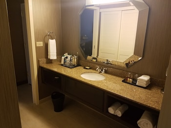 Sheraton Suites Galleria-Atlanta - Bathroom  - #0