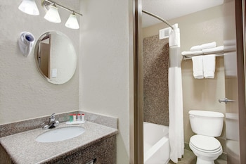 Houston Vacations - Ramada by Wyndham Houston Intercontinental Airport South - Property Image 1