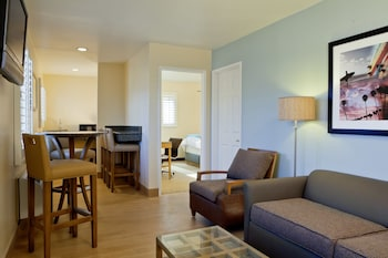 Guestroom at PB Surf Beachside Inn in San Diego