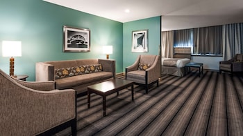 Premium Suite, 1 King Bed with Sofa bed, Accessible, Bathtub (with Sofabed)