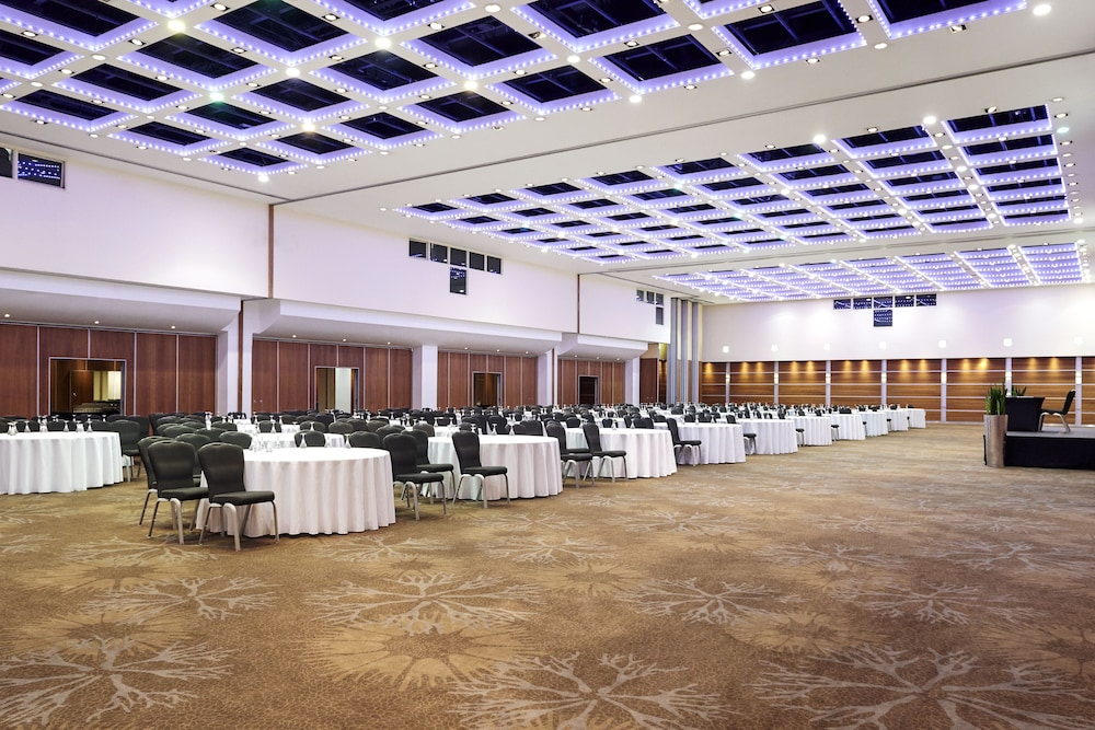 Ballroom/Hall 28 of 180