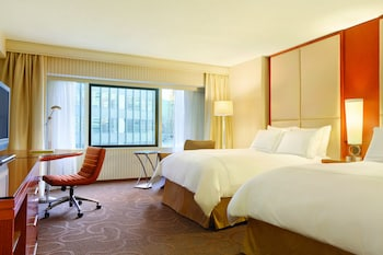 Swiss Pinnacle, Room, 2 Double Beds, Non Smoking, City View