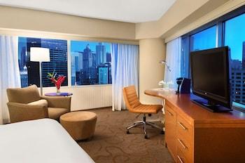 Premier Corner Room, 1 King Bed, City View