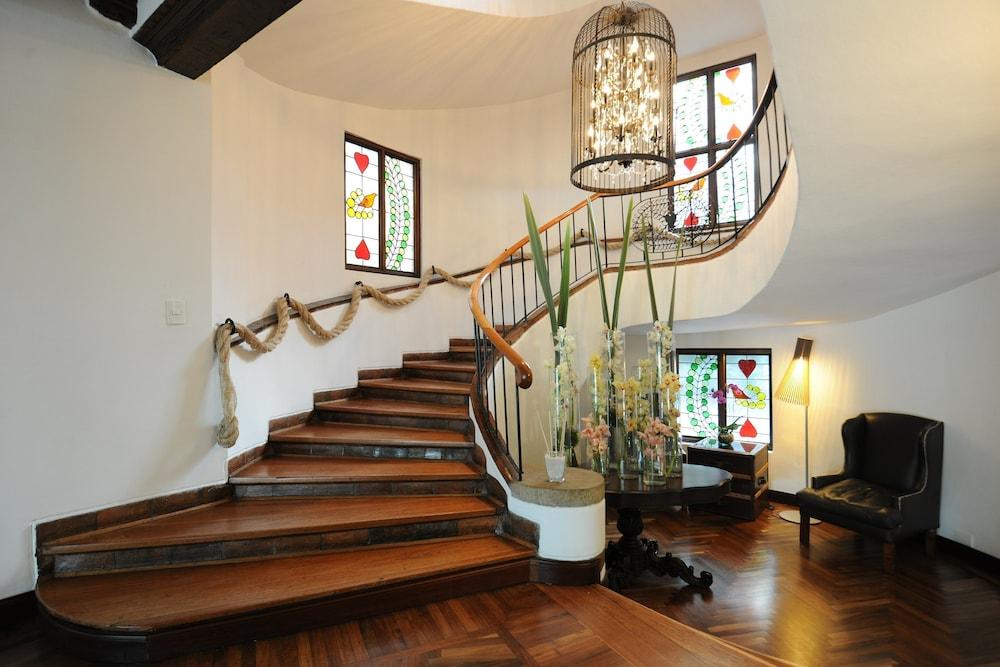 포 시즌스 호텔 보고타 카사 메디나(Four Seasons Hotel Bogotá Casa Medina) Hotel Image 32 - Staircase
