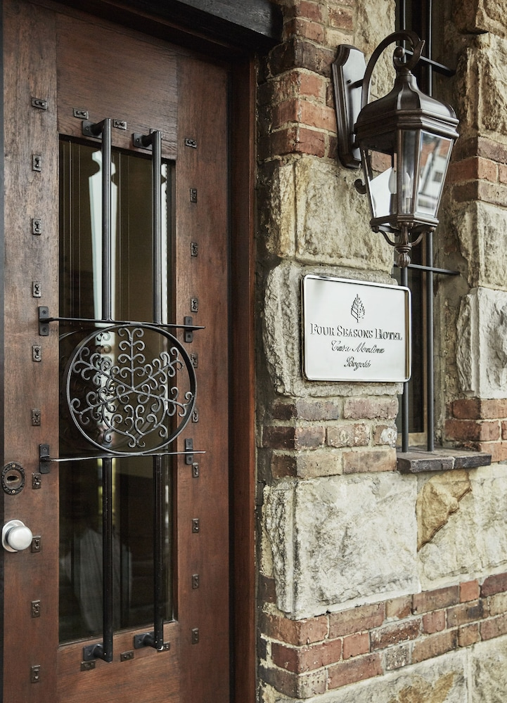 포 시즌스 호텔 보고타 카사 메디나(Four Seasons Hotel Bogotá Casa Medina) Hotel Image 37 - Hotel Entrance