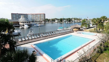 新港里奇馬里納水濱馬格努森飯店 Magnuson Hotel Waterfront Marina New Port Richey