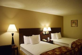 Guestroom at Days Inn by Wyndham Orlando Conv. Center/International Dr in Orlando
