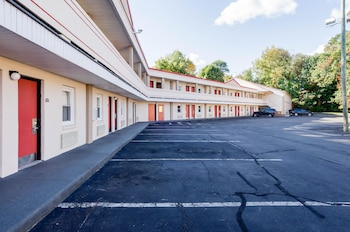 Hotel - Econo Lodge West Springfield
