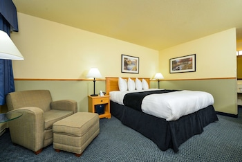 Standard Room, 1 King Bed, Non Smoking, Refrigerator & Microwave (No Pets)