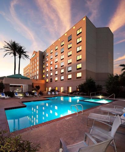 . Radisson Hotel Phoenix Airport