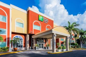 西布雷登頓智選假日套房飯店 Holiday Inn Express & Suites Bradenton West, an IHG Hotel