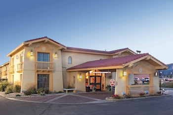 Baymont Inn & Suites Rock Springs - Hotel Front - Evening/Night  - #0
