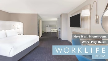 Family Suite, 1 King Bed, Non Smoking (Worklife)