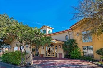 聖安東尼北 I-35 里特曼路溫德姆拉昆塔飯店 La Quinta Inn by Wyndham San Antonio I-35 N at Rittiman Rd