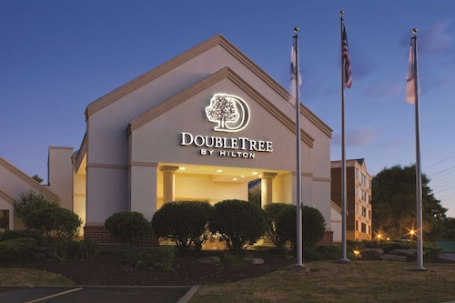. DoubleTree by Hilton Cleveland - Independence