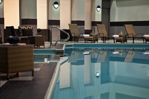 . Toronto Marriott City Centre Hotel